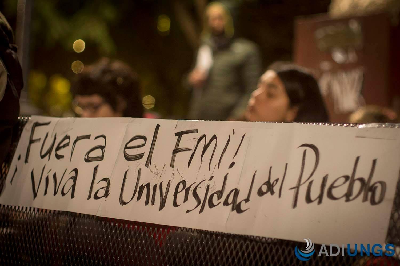Fuera el FMI viva la Universidad del Pueblo